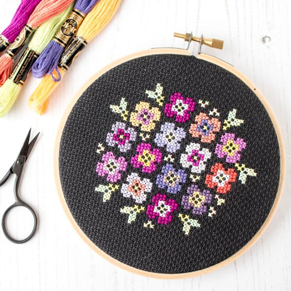 free stitch pattern bouquet on black stitched modern printable patterns flowers 600x coloring pages Free Printable Cross Stitch Patterns Flowers